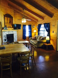 Cabin - Log Cabin Resort in Leakey, TX